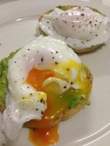 healthy breakfast - eggs and avocado on toast